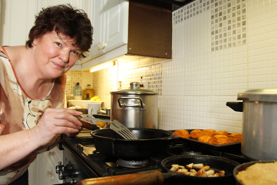 Meet Britain's most frugal great-gran, who reveals how to whip up a healthy meal for just 29 PENCE